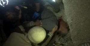 Daire almaya gittiği inşaatta asansör boşluğuna düşüp öldü