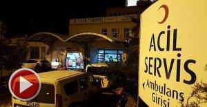 Doktor bıçakla dehşet saçtı: 3 polis yaralı