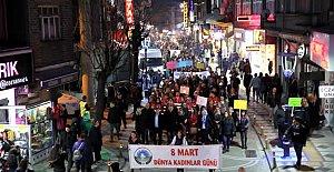Bartın'da Fener Alayı Kadın yürüyüşü