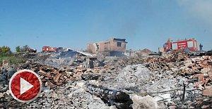 7 ev ve 3 samanlık yandı, köylüleri imam kurtardı