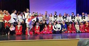 Zonguldaklılar Ayakta Alkışladı