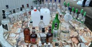 Köy Evine Sahte İçki Baskını: 2 Gözaltı