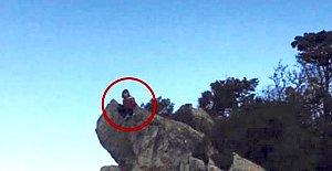Liseli kız kayalıklardan denize atladı