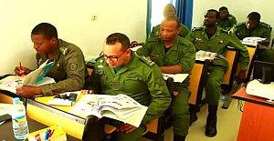 Moritanyalı Askerlere Türkçe Dersi