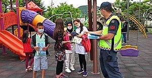 Jandarmadan Çocuklara Hediye
