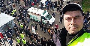 Anonsla Vatandaşları uyaran polis memuru virüse yenildi