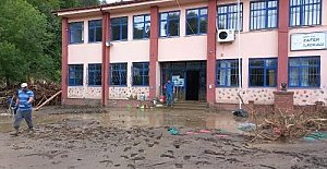 Sele Giden Köydeki Okul Eğitme Hazırlanıyor