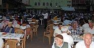 Abdipaşa'da 2500 kişi iftar açtı