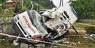 Bakan konvoyunda ambulans kazası: 1 ölü 2 yaralı