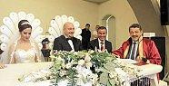 Başkan Nikahtan Nikaha Koştu