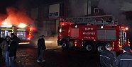 Çıkan Yangında Mobilya Atölyesi Kül