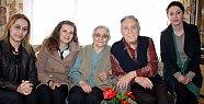 Yaşlı Çifte Sevgililer Günü Ziyareti