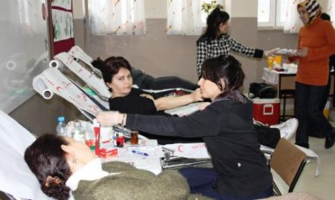 TOKİ İlköğretim Okulu'ndan kan bağışı
