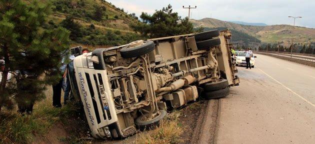 Trafik Kazaları: 1 Ölü 6 Yaralı