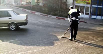 Trafik Polisi'nden Örnek Davranış