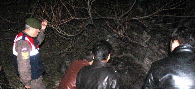 Traktörüyle Su Kuyusuna Düşen Köylü Yaralandı