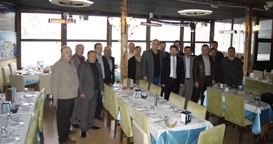 Tunç Amasra teşkilatıyla kahvaltıda buluştu