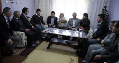 Tunç Hakkari Çukurca'da yaralanan askeri ziyaret etti