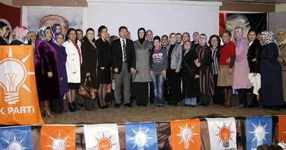 Tunç, Kadın Kolları Danışma Meclisi'nde konuştu