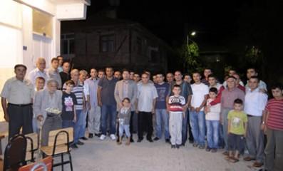 Tunç Ulukaya'da zirat etkinliğine katıldı