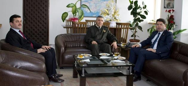 Tunç'tan Alay Komutanı'na ziyaret