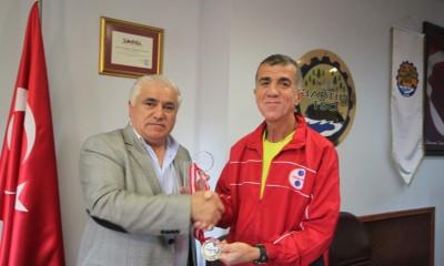 Turgay Oğuz Kocaeli Darıca yarı maratonunda gümüş madalya kazandı