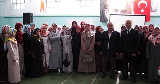 Ulus'ta Kız Kur'an kursları arasında bilgi yarışması düzenlendi