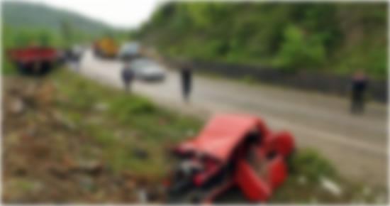 Ulus'ta trafik kazası: 1 ölü, 1 yaralı