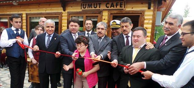 Umut Cafe Törenle Açıldı