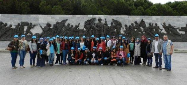 Üniversite Öğrencileri Çanakkale'yi Gezdi