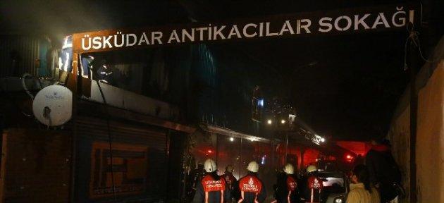 Üsküdar'da İki Katlı Sanat Atölyesi Yandı
