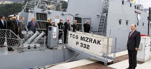 Vali Azizoğlu'ndan Askeri Gemilere Ziyaret