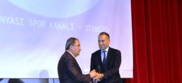 Vali Dalmaz'a İnsan Hakları Ödülü