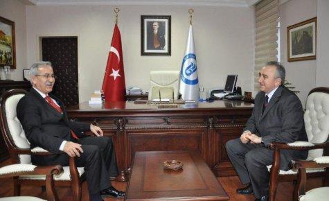 Vali İsa Küçük'ten Bartın Üniversitesi Rektörü Prof. Dr. Ramazan Kaplan'a tebrik ziyareti