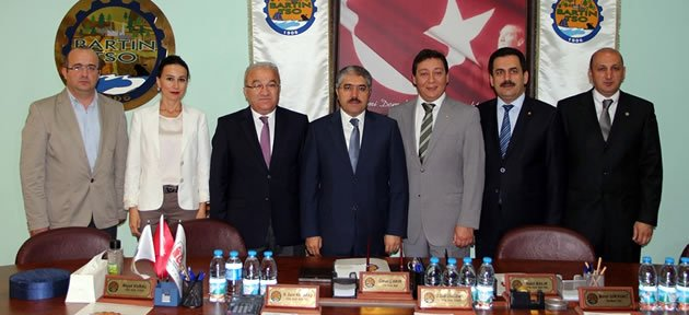 Vali Çınar'dan iadei ziyaretler