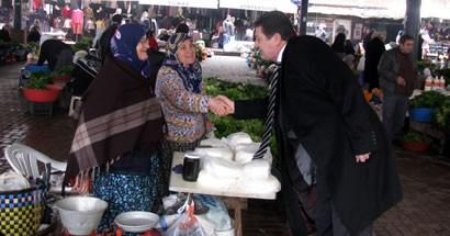Yalçınkaya Kadınlar Pazarı'nda