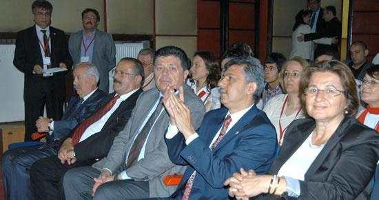 Yalçınkaya, Karabük İl Kongresi'ne katıldı