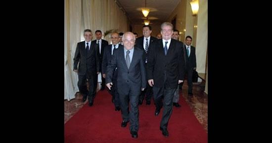 Yalçınkaya Meclis Başkanı Çiçek'le birlikte Arnavutluk'ta