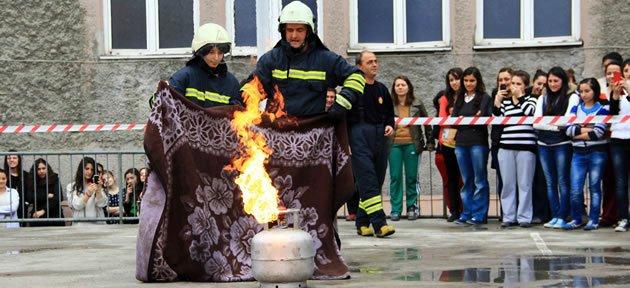 Yangın tatbikatı nefesleri kesti