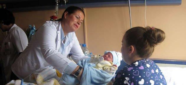 Yeni Annelere Emzirmenin Önemi Anlatıldı
