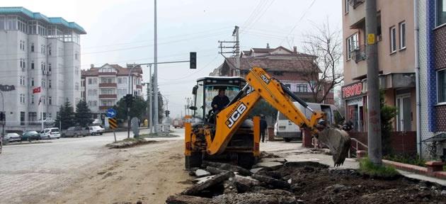 Yol çalışmaları Sıtmayanı Sokak'ta
