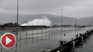 Amasra'da Dalgalar nedeniyle limana giriş çıkış yasaklandı