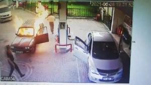 Bartın'da Otomobil alev topuna döndü, sürücü canını zor kurtardı