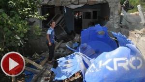 Freni Patlayan Kamyon Ev Halkını Uykuda Yakaladı