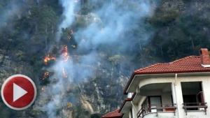 İnkum Tatil Beldesinde Yangın, 7 ev boşaltıldı