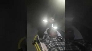 80 metrelik kulede eylem yapan iki işçiden biri hastaneye kaldırıldı