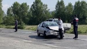 Bartın'da 4 kişinin yaralandığı kaza kamerada