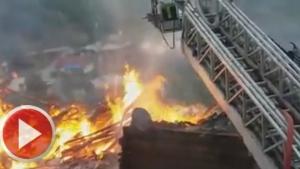 Ulus'ta Yangın: 3 ev alevlere teslim