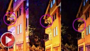 Çatıya Çıkan Kadını Polisler Son Anda Kurtardı