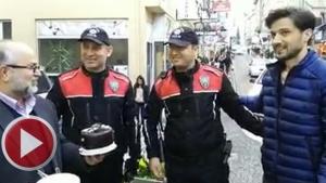 Esnaftan Polislere Pasta Süprizi